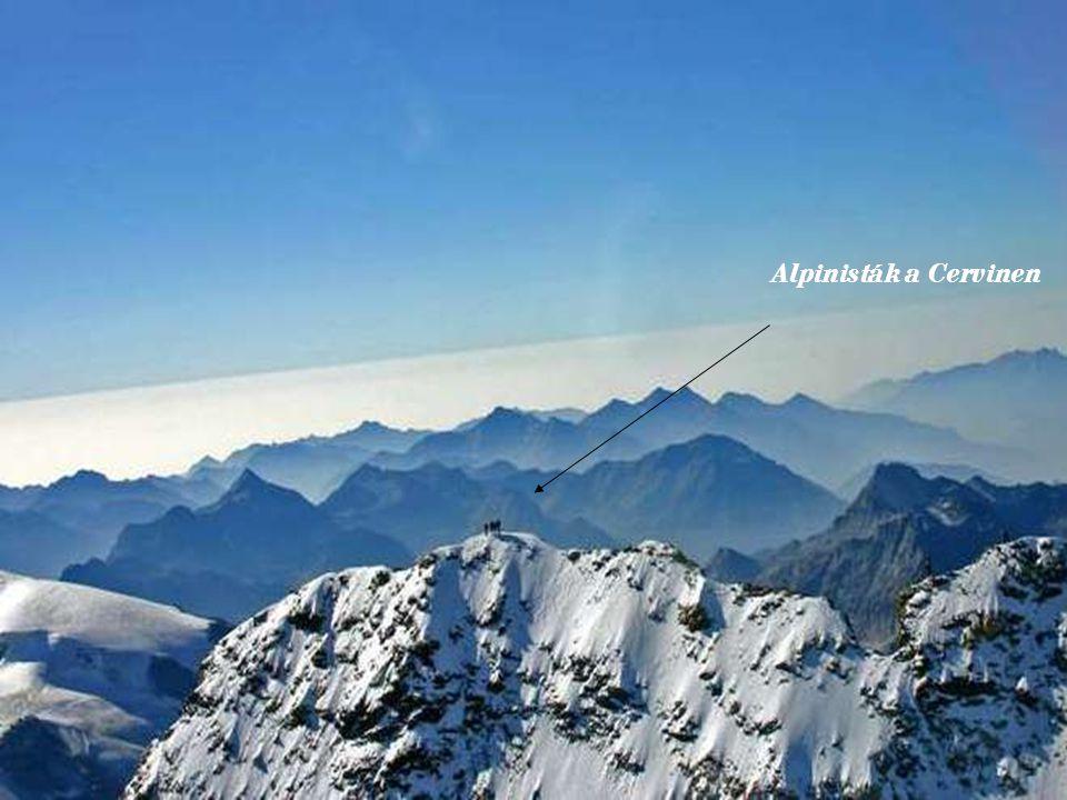 Alpinisták a Cervinen