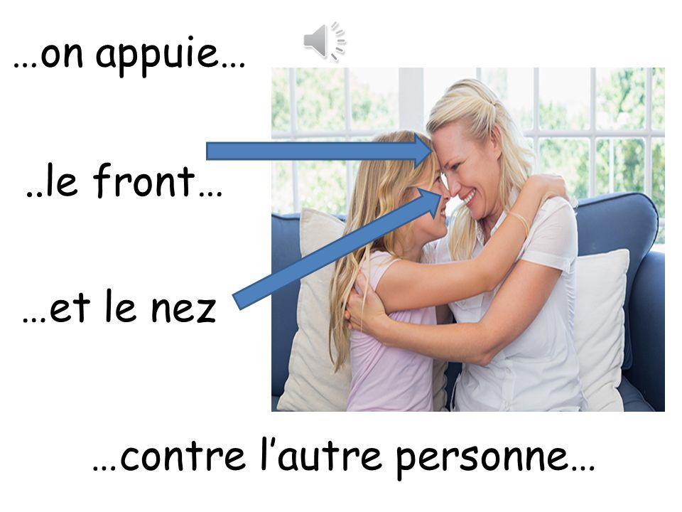 …contre l'autre personne…