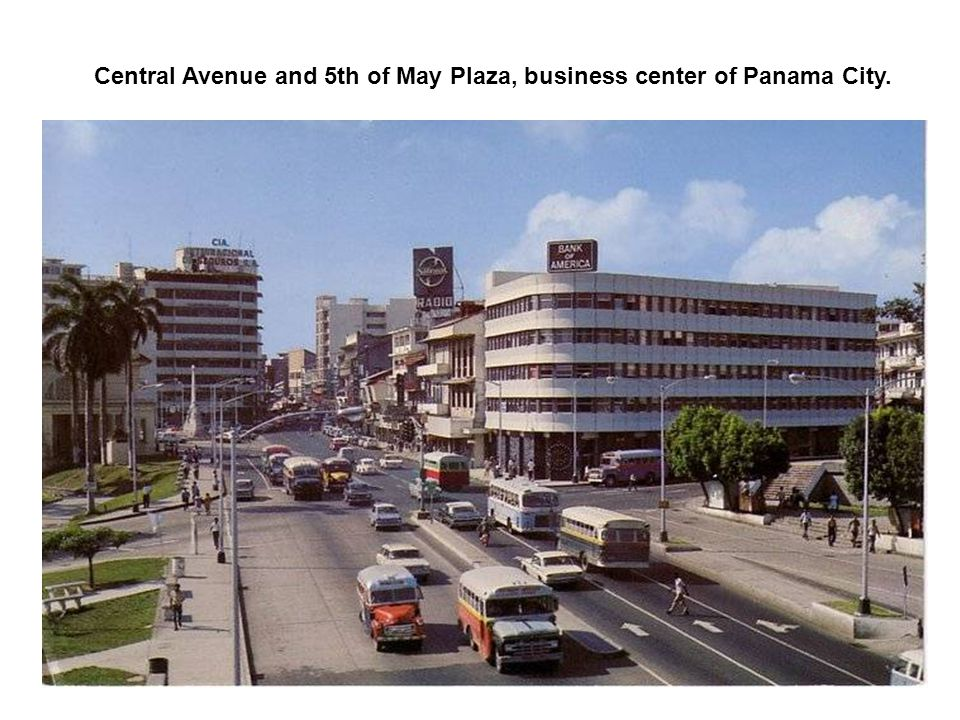 Central Avenue and 5th of May Plaza, business center of Panama City.