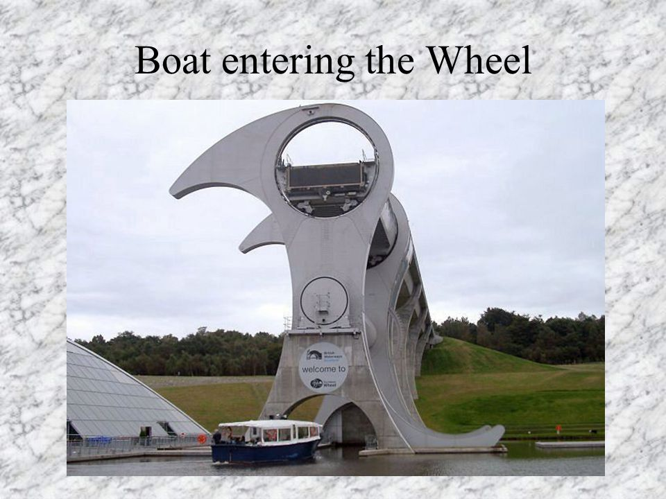 Boat entering the Wheel