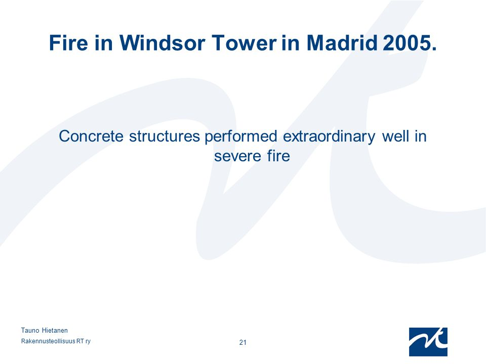 Fire in Windsor Tower in Madrid 2005.