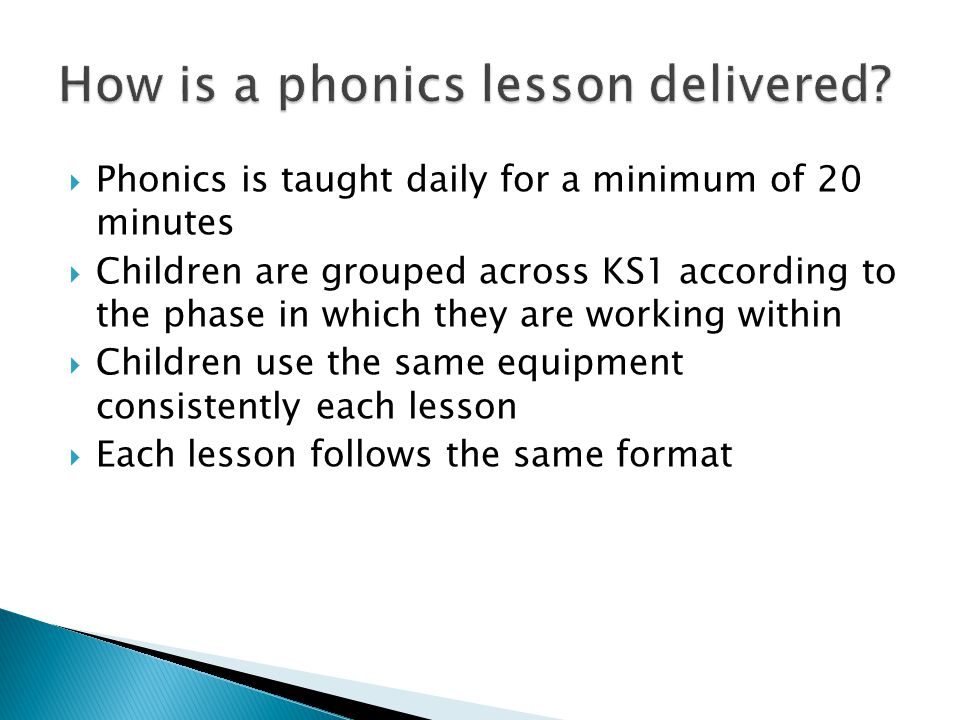 How is a phonics lesson delivered