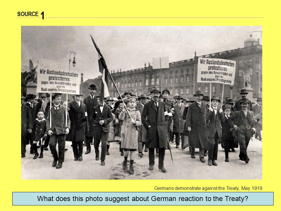 What does this photo suggest about German reaction to the Treaty