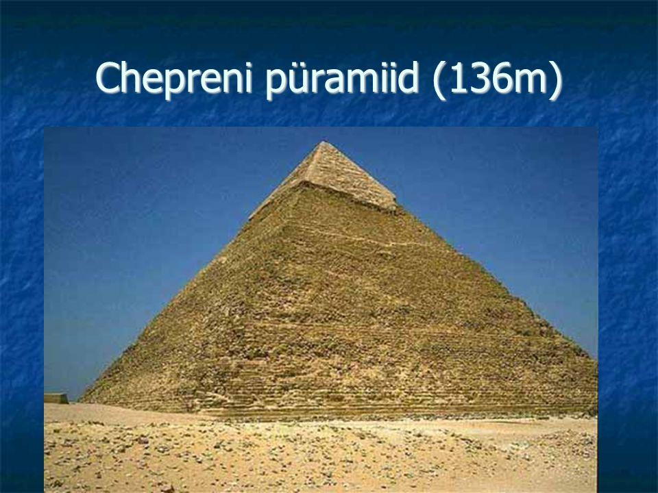 Chepreni püramiid (136m)