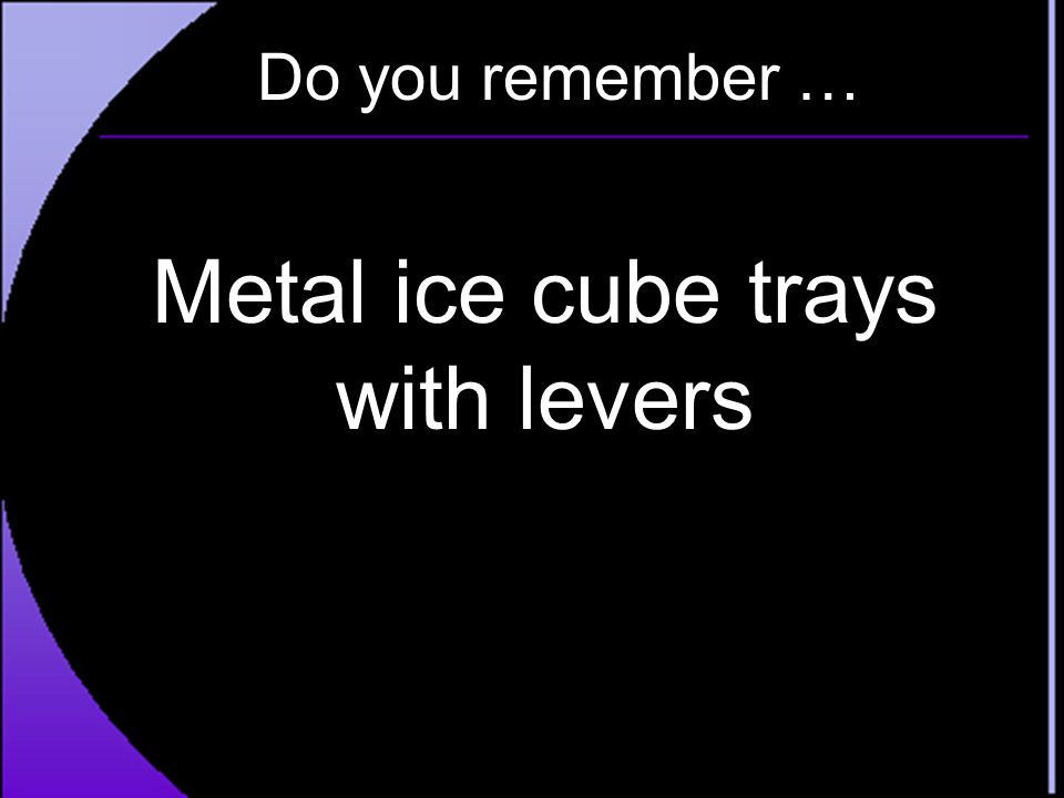 Metal ice cube trays with levers