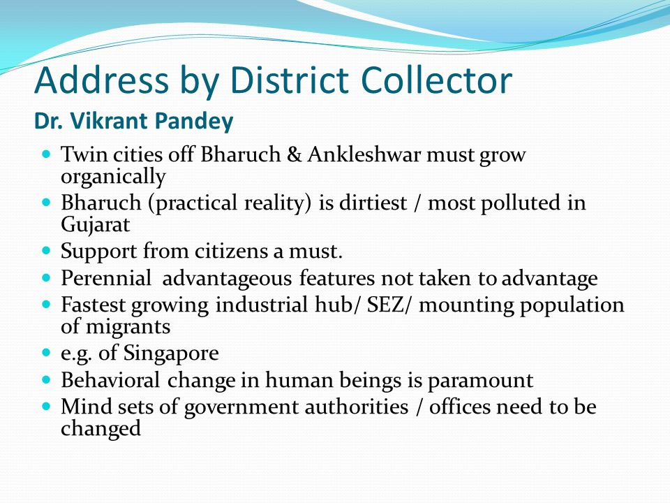 Address by District Collector Dr. Vikrant Pandey
