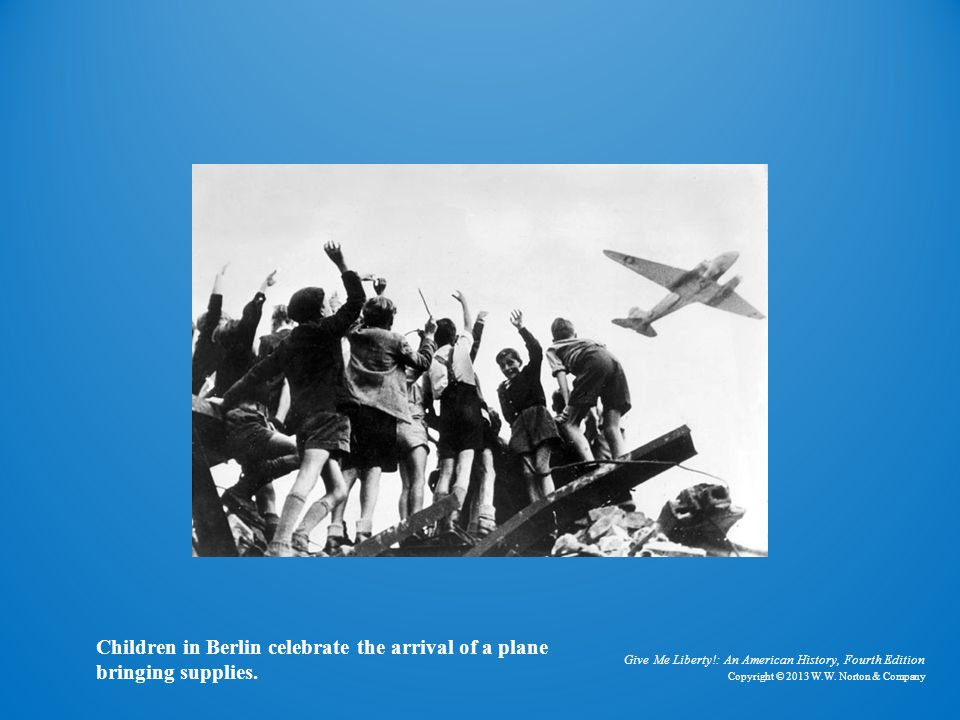Photo of Berlin Children and Plane