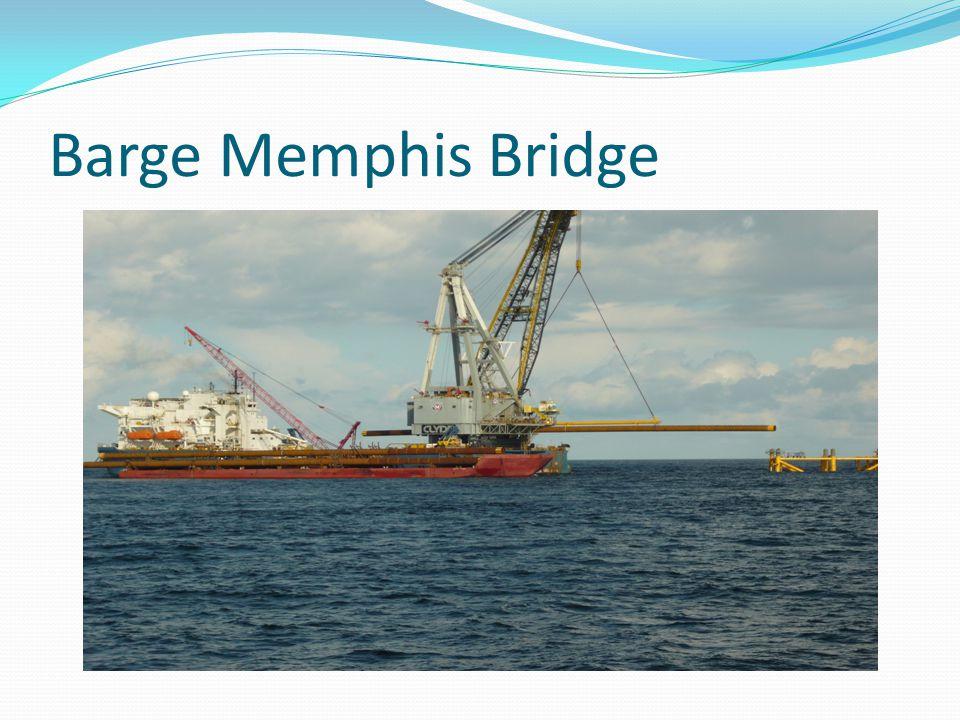 Barge Memphis Bridge