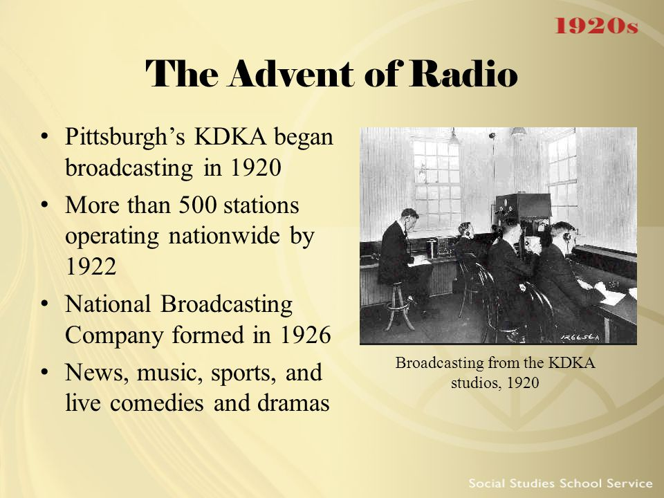 Broadcasting from the KDKA studios, 1920