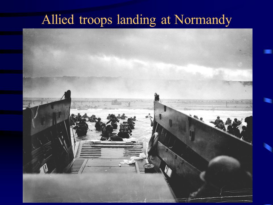 Allied troops landing at Normandy