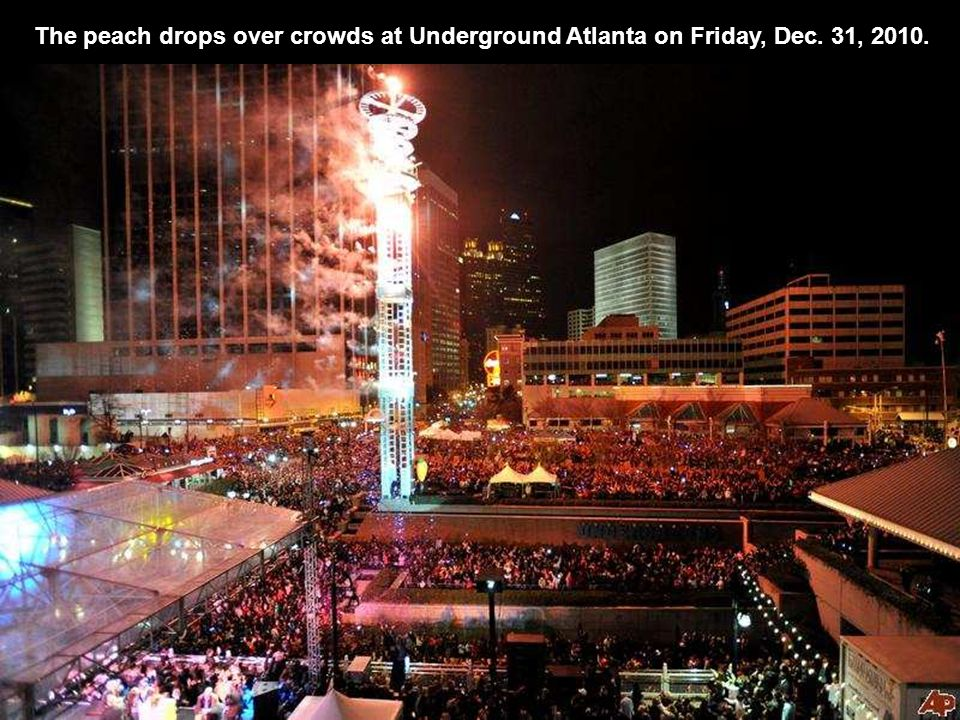 The peach drops over crowds at Underground Atlanta on Friday, Dec