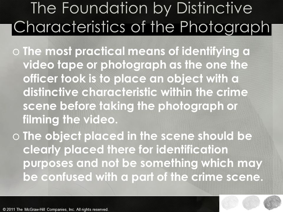 The Foundation by Distinctive Characteristics of the Photograph