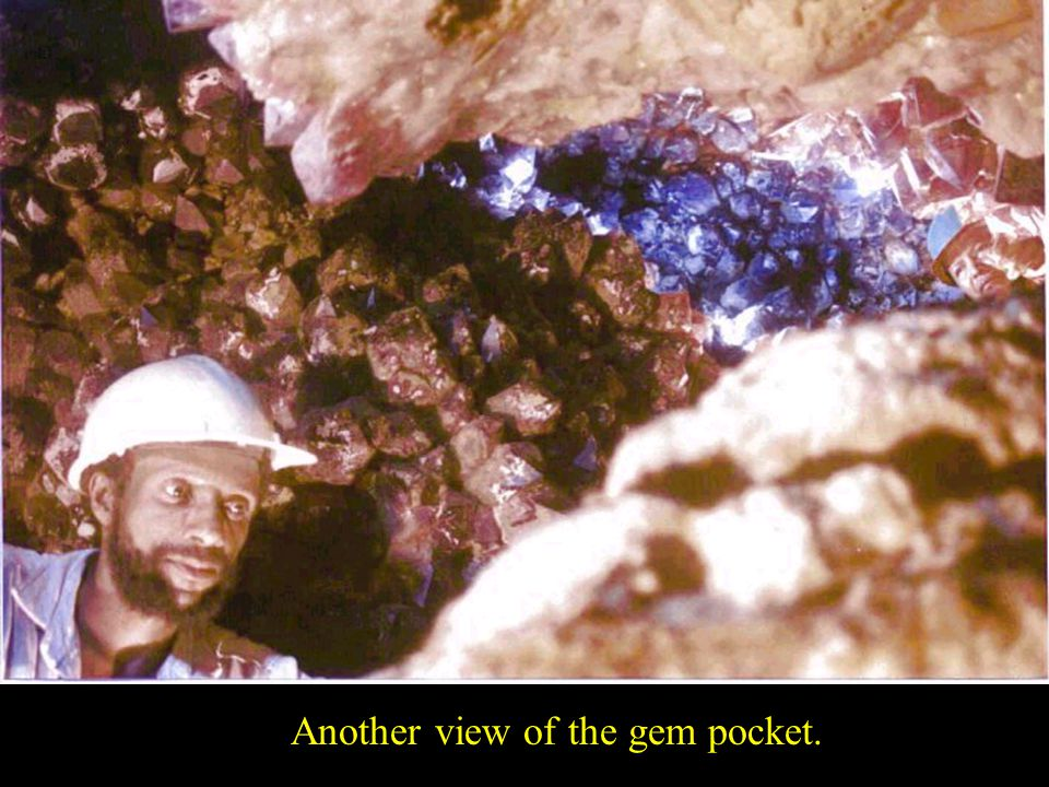 Another view of the gem pocket.