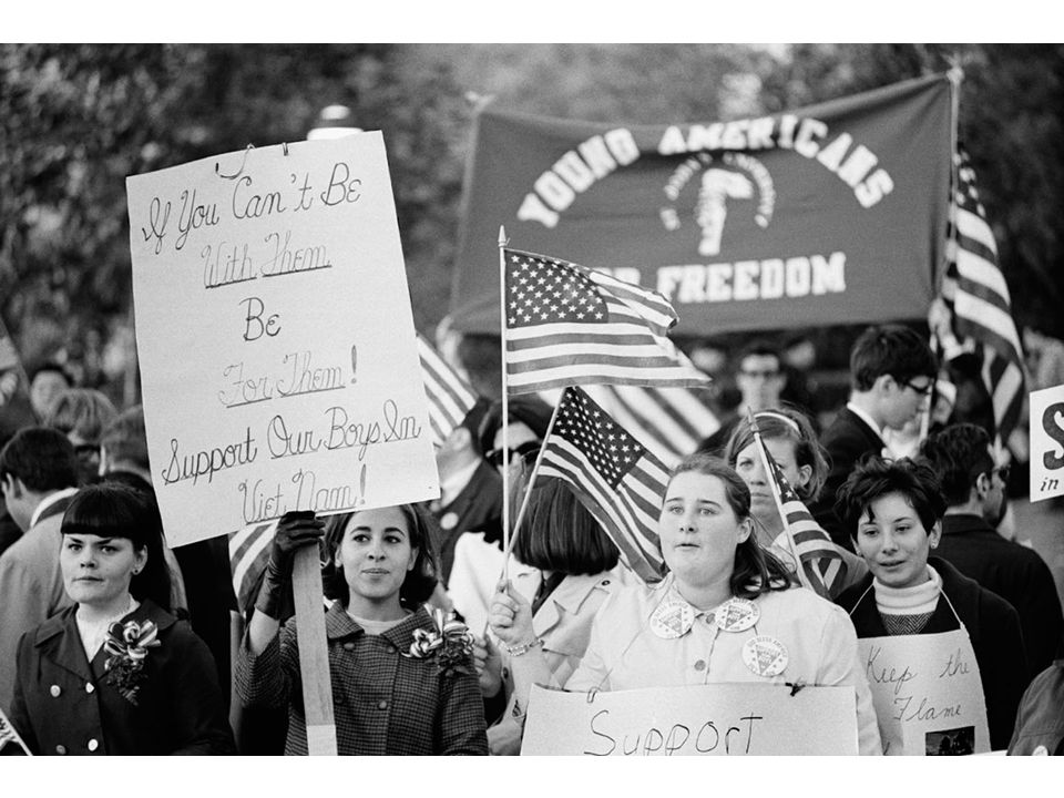fig26_02.jpg Page 1027: A 1967 rally by members of Young Americans for Freedom, a conservative group that flourished in the 1960s.