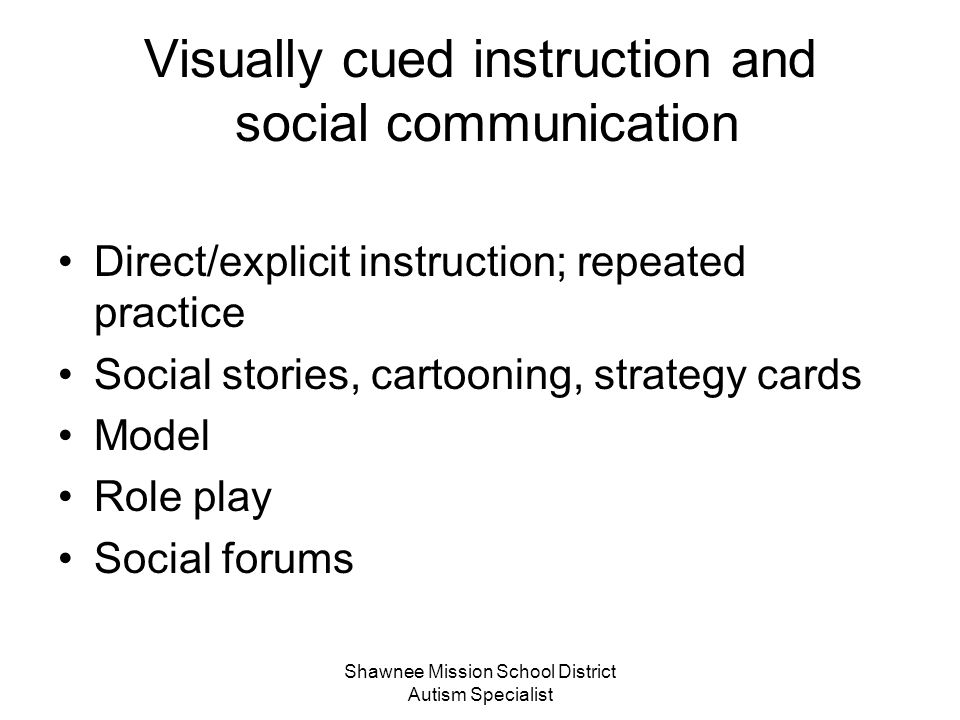 Visually cued instruction and social communication