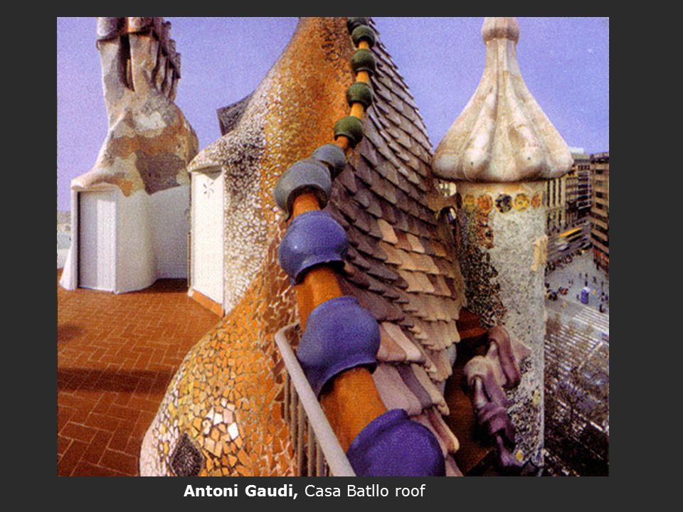 Antoni Gaudi, Casa Batllo roof
