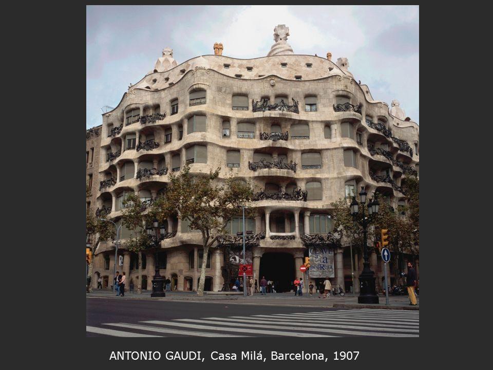 ANTONIO GAUDI, Casa Milá, Barcelona, 1907