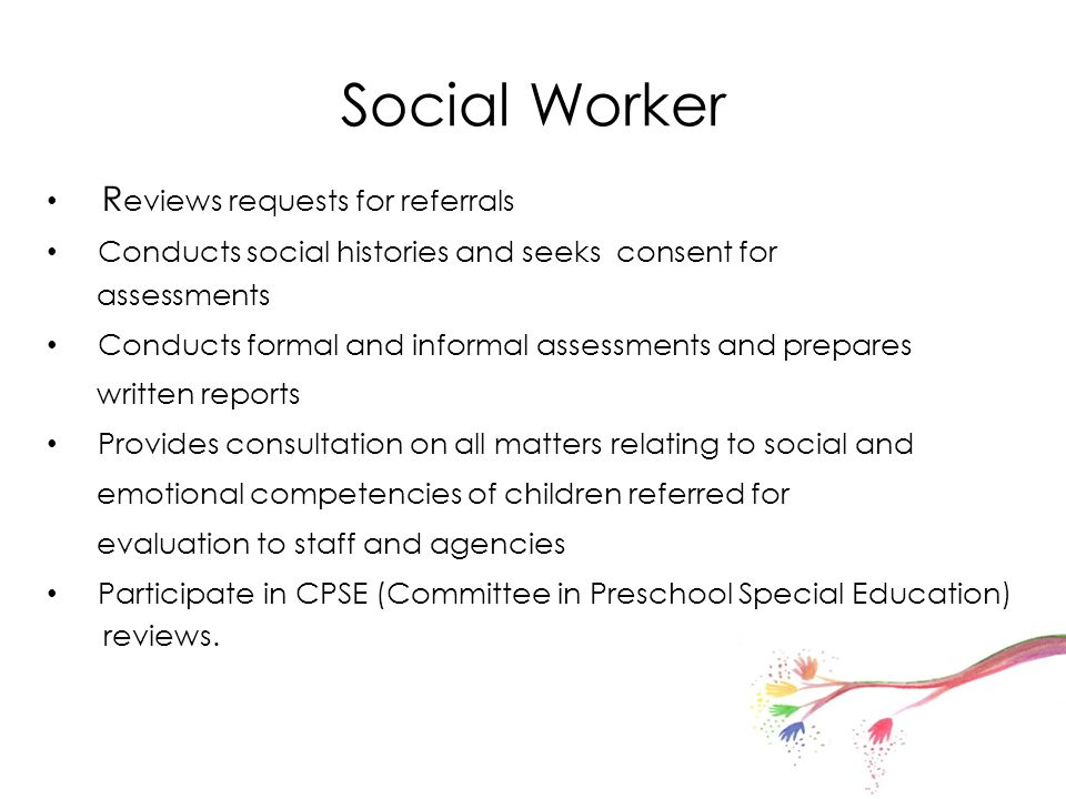 Social Worker Reviews requests for referrals