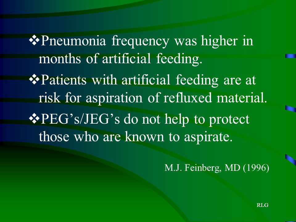 Pneumonia frequency was higher in months of artificial feeding.