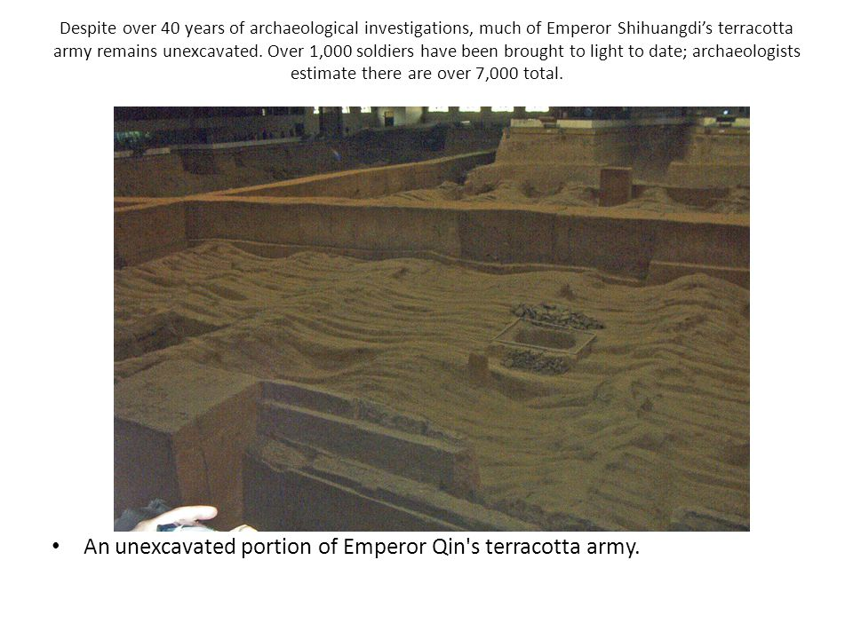 An unexcavated portion of Emperor Qin s terracotta army.