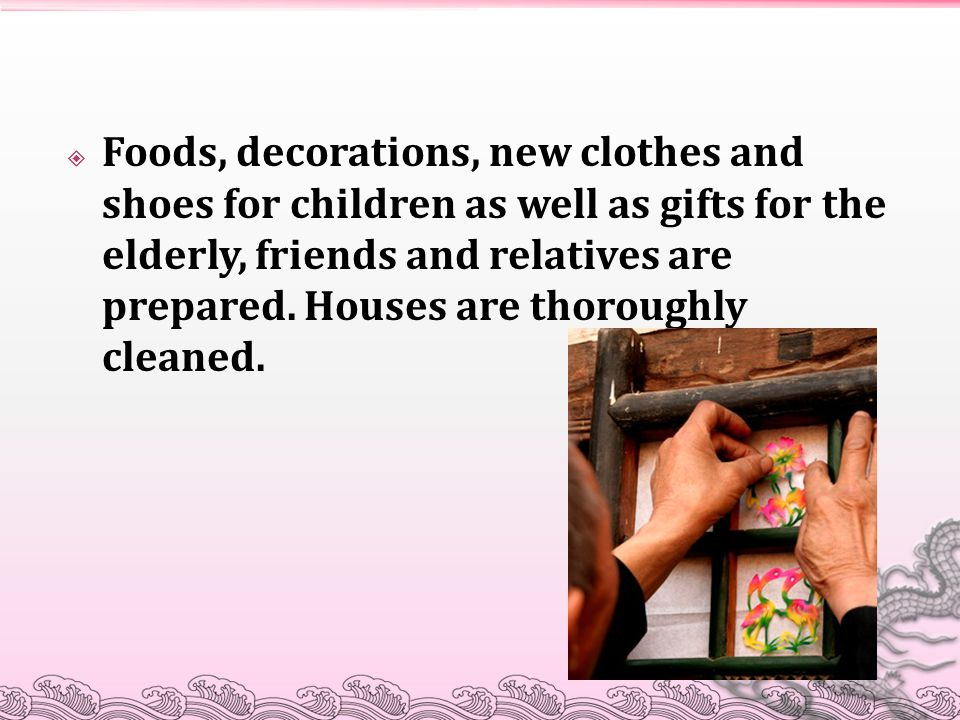 Foods, decorations, new clothes and shoes for children as well as gifts for the elderly, friends and relatives are prepared.