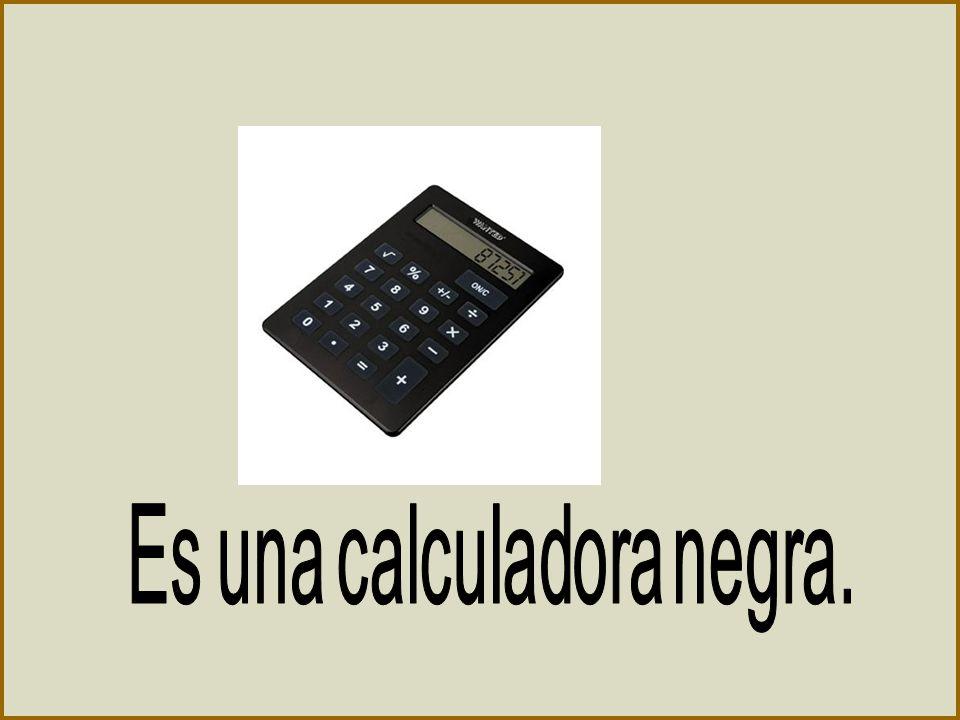 Es una calculadora negra.