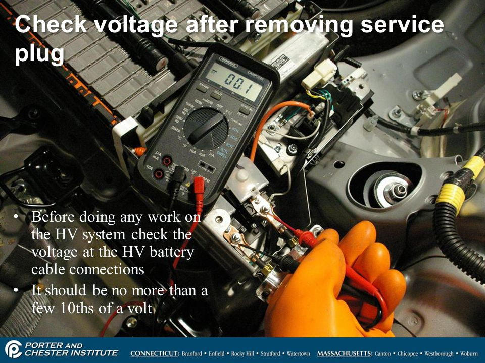 Check voltage after removing service plug