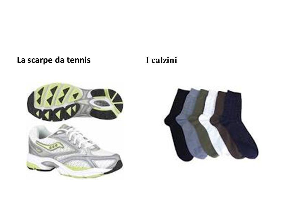 La scarpe da tennis I calzini