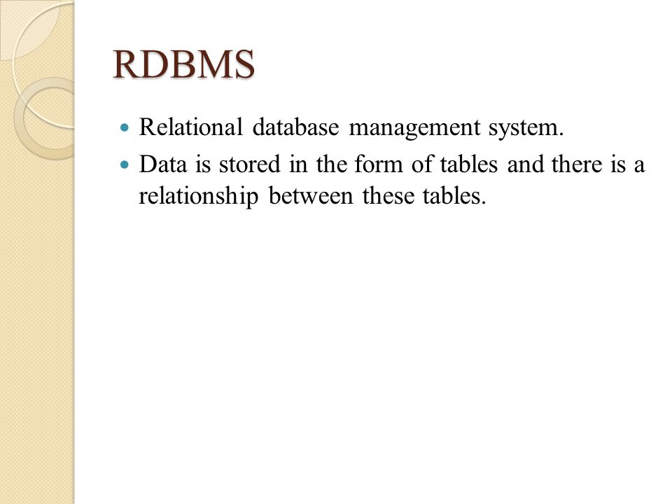 what are the tradeoffs between relational and object oriented databases and database management syst An object-oriented model uses objects containing stored values to unite the application and database development, while a relational model uses relations to construct data the rational model is used to create grid-like mathematical structures while the object-oriented model is used to transform.