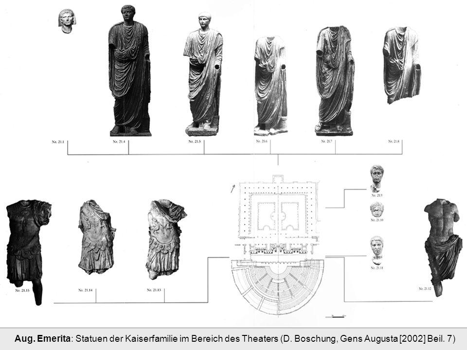 Aug. Emerita: Statuen der Kaiserfamilie im Bereich des Theaters (D