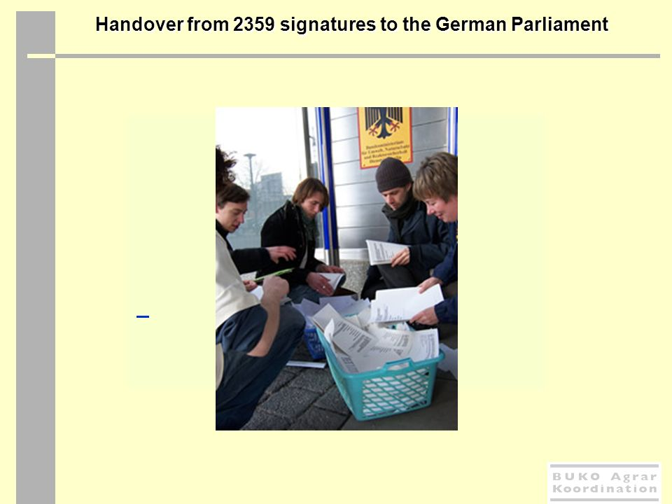 Handover from 2359 signatures to the German Parliament