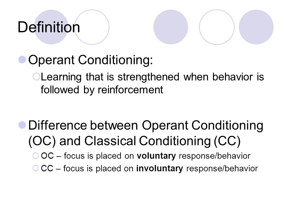 differences between classical and operant conditioning Although a basic feature of operant conditioning is reinforcement, classical  conditioning relies more on association between stimuli and.