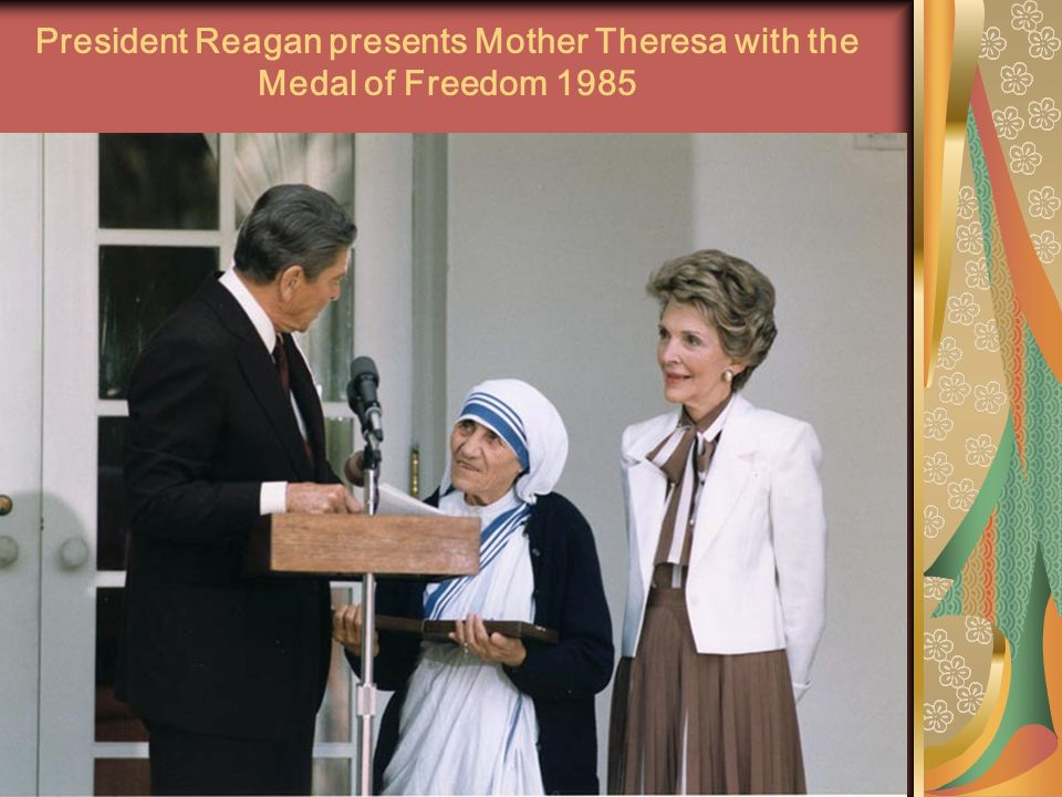 President Reagan presents Mother Theresa with the Medal of Freedom 1985