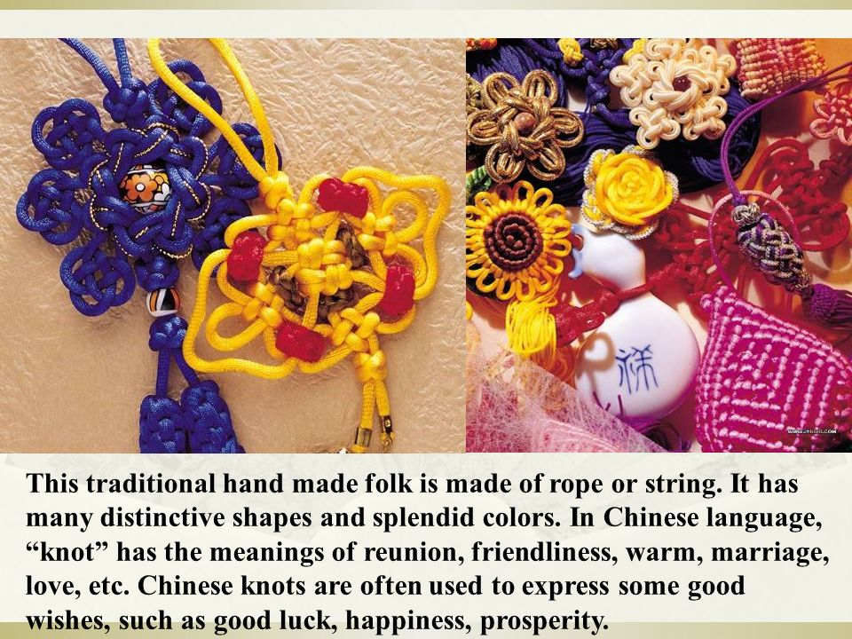 This traditional hand made folk is made of rope or string