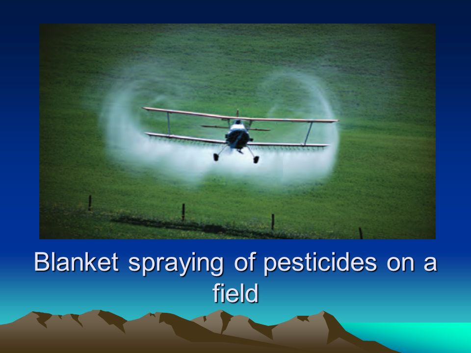 Blanket+spraying+of+pesticides+on+a+field.jpg