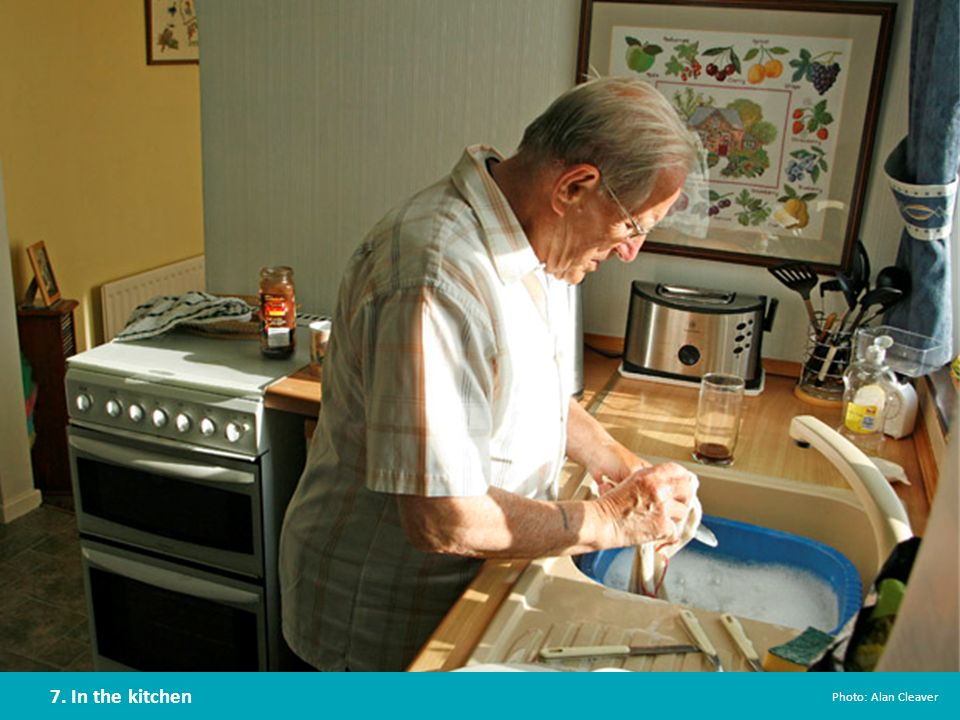 Around 8% of the total household water is used in the kitchen for cooking, cleaning, washing or drinking.