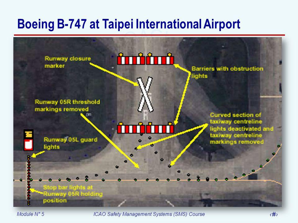 Boeing B-747 at Taipei International Airport
