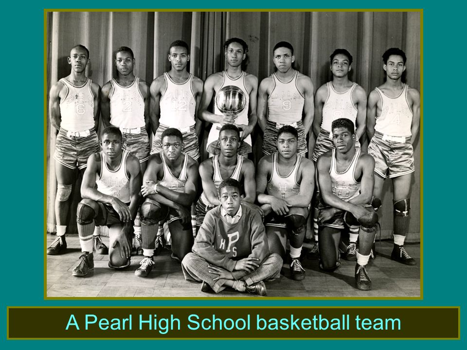 A Pearl High School basketball team