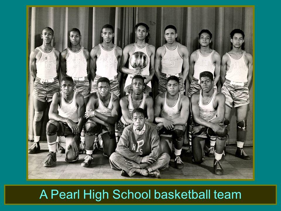 A Pearl High School basketball team