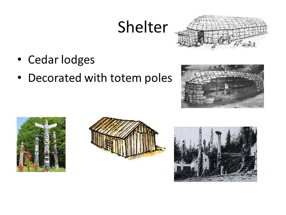 Shelter Cedar lodges Decorated with totem poles
