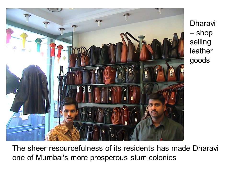 Dharavi – shop selling leather goods