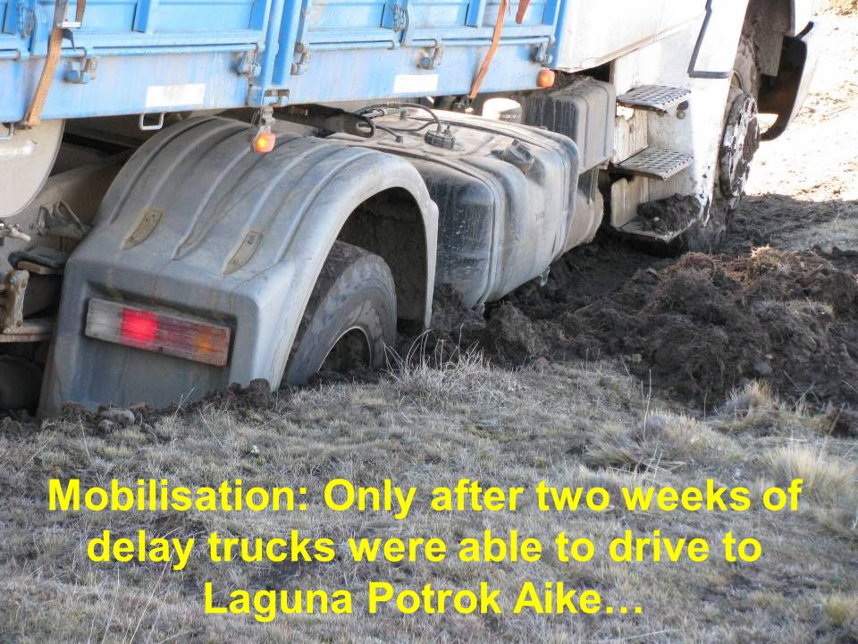 Mobilisation: Only after two weeks of delay trucks were able to drive to Laguna Potrok Aike…