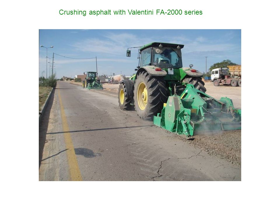 Crushing asphalt with Valentini FA-2000 series