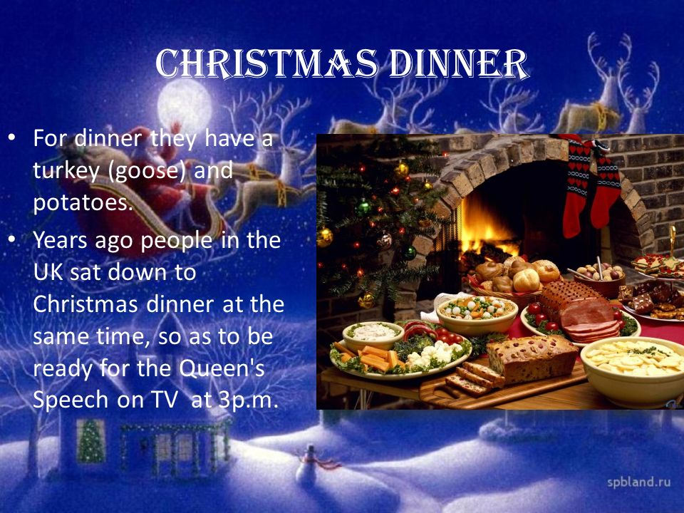 Christmas dinner For dinner they have a turkey (goose) and potatoes.