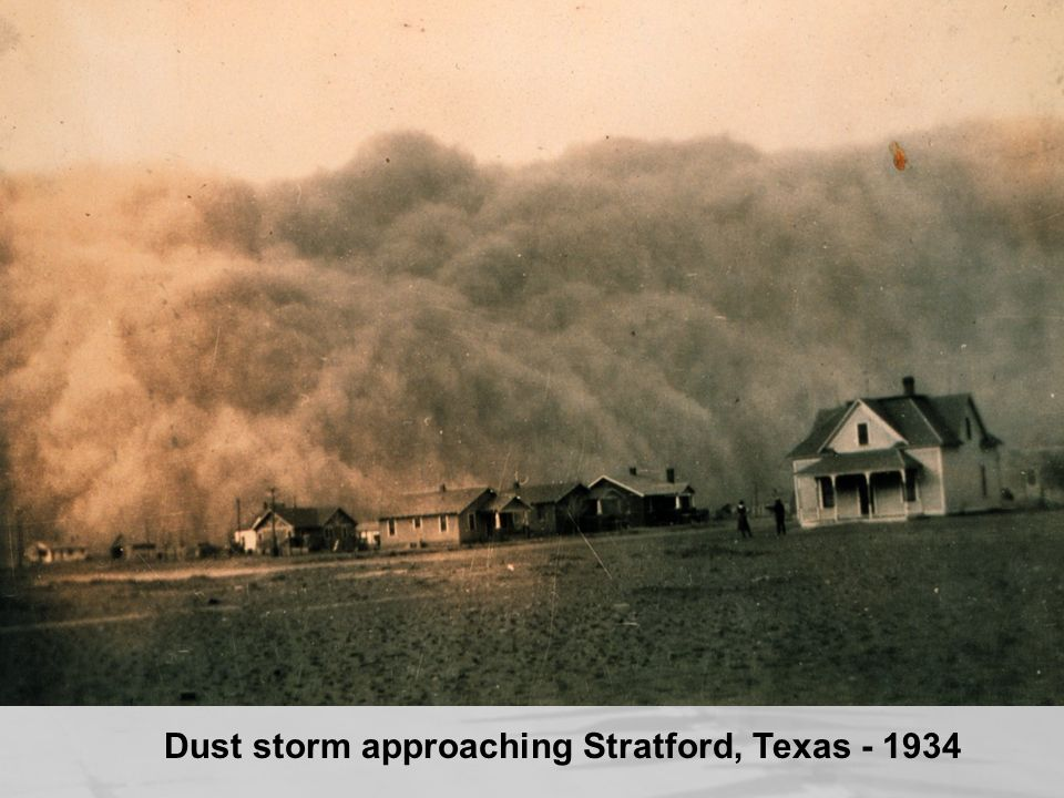 Dust storm approaching Stratford, Texas - 1934