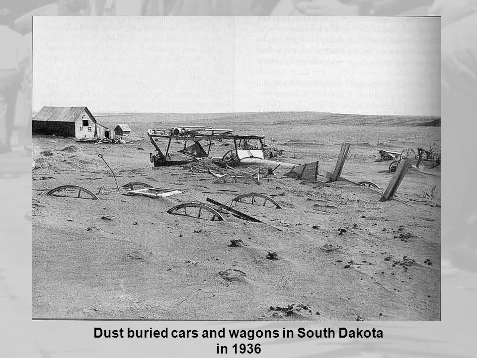 Dust buried cars and wagons in South Dakota in 1936
